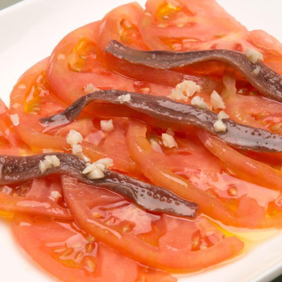 17-Anchoas con tomate