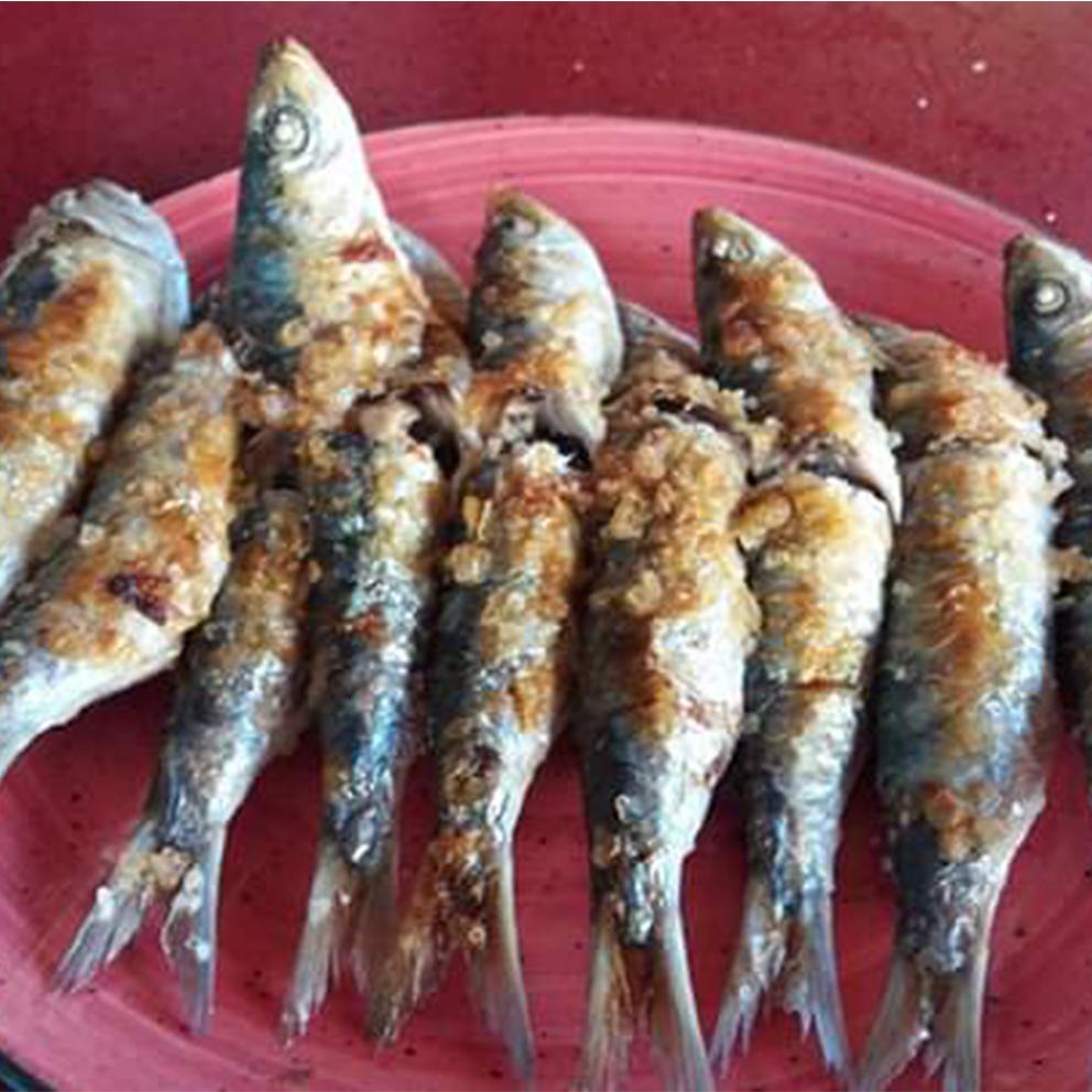 18-Espeto sardinas